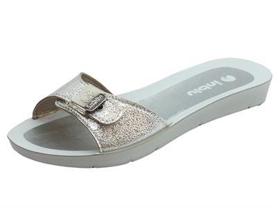 Articolo Ciabatta InBlu in plastica argento satinato con regolazione della calzata