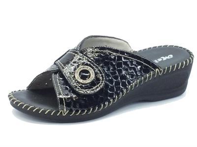 Pantofole Melluso per donna in vernice nera con strappo