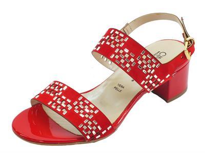 Articolo Cinzia Soft sandali eleganti per donna rossi traforati con pietre argento