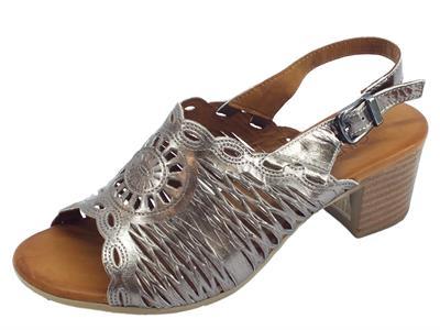 Articolo Cinzia Soft sandali per donna in pelle laserata peltro tacco medio