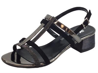 Melluso Woman sandali per dona in pelle e tessuto laminato nero con tacco basso