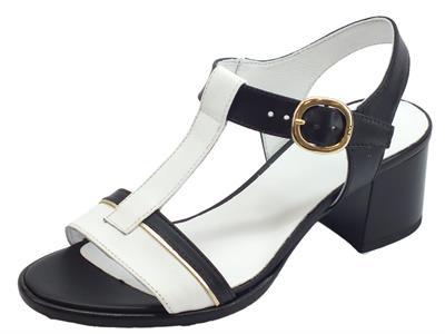 Articolo NeroGiardini P908200D Leon Nero Tigri Bianco sandali bicolore donna tacco basso in pelle