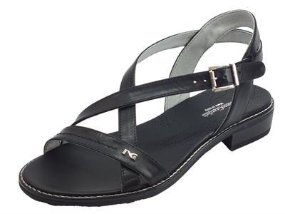 NeroGiardini P908230D Leon Nero sandali donna tacco basso in pelle incrociata