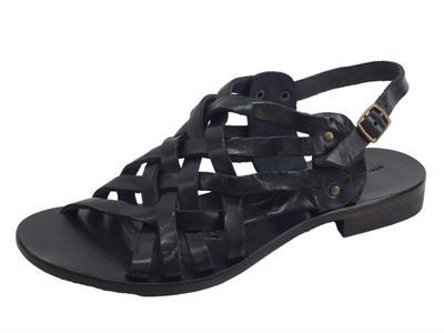 Sandali artigianali Mercanti Fiorentini in pelle tuffata nero fondo cuoio tacco basso