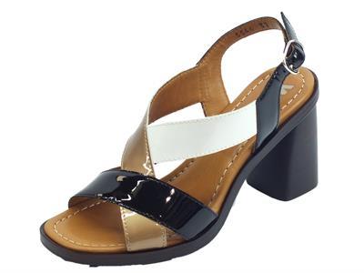 Articolo Melluso Walk sandali per donna in vernice nero rame e creta con tacco alto