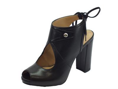Sandali NeroGiardini per donna in pelle nera allaccio posteriore