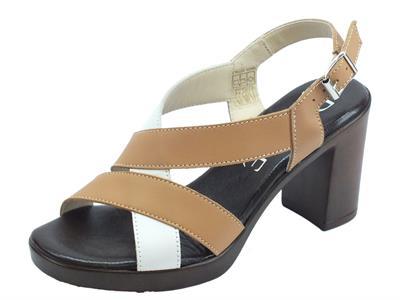 Articolo Susimoda D.EFFE sandali per donna in vera pelle bianca e sasso tacco alto effetto legno