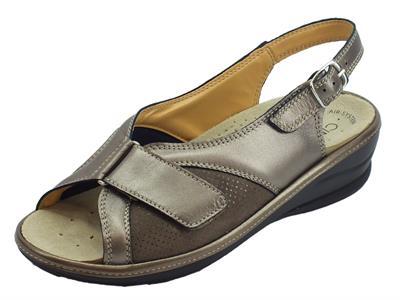 Articolo Cinzia Soft sandali comodi in pelle e scamosciato perla fondo antiscivolo
