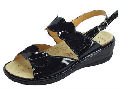 Articolo Cinzia Soft sandali comodi in vernice e scamosciato nero fondo antiscivolo