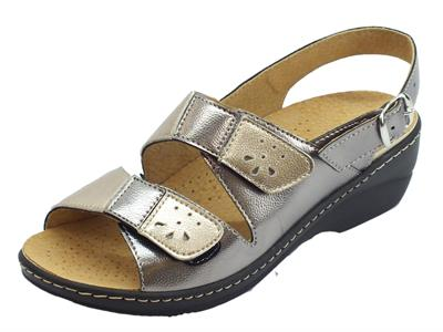 Articolo Cinzia Soft sandali linea comoda doppio stretch e fibbietta sottopiede pelle