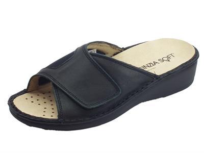 Articolo Cinzia Soft sandali linea comoda in tessuto e pelle morbida nera sottopiede pelle estraibile