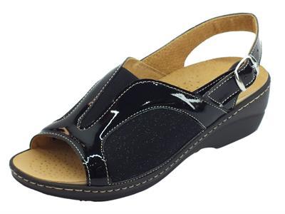 Articolo Cinzia Soft sandali linea comoda vernice tessuto elasticizzato nero