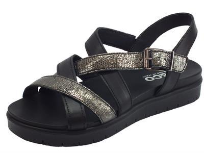 Articolo Igi&Co sandali donna in pelle liscia nera e squamato carbone zeppa media