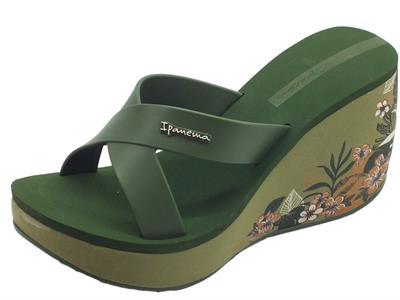 Articolo Ipanema 82534 Lipstick Straps V Fem Green sandali in gomma verdi zeppa alta