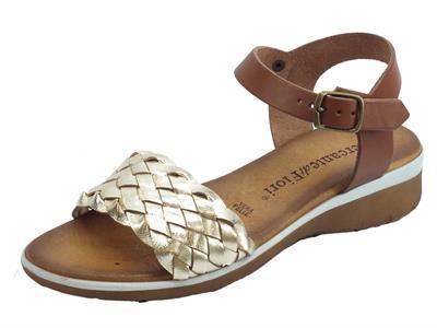 Articolo Mercanti di Fiori sandali donna in pelle intrecciata laminato platino zeppa bassa