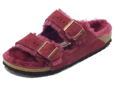 Sandali Birkenstock Arizona Fur per donna in camoscio e montone colore bordeaux