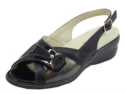 Sandali per donna Melluso in pelle e vernice nera chiusura strappo