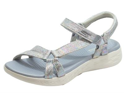 Articolo Skechers 140017/GMLT On The Go Odyssey Gray Multi Sandali Donna in ecopelle grigio