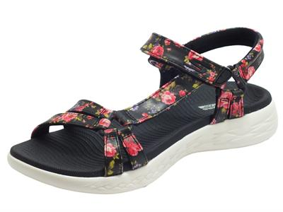 Articolo Skechers 140018/BKW On The Go Fleur Black White Sandali Donna in ecopelle floreale