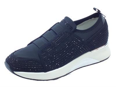 Articolo Sneakers SlipOn CafèNoir per donna in tessuto brillantinato nero con calzata rapida