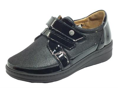 Articolo Cinzia Soft IM54018MVV Nero Sneakers confort vernice tessuto elast. nero doppia chiusura strappo