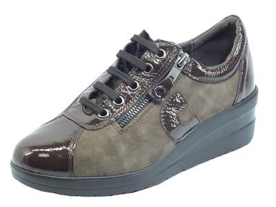 Cinzia Soft IV11692 Cafè Visone Sneakers confort per Donna in nabuk e vernice con lacci e lampo