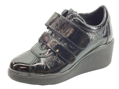 Articolo Cinzia Soft IV11793 Black Sneakers Donna in vernice doppia chiusura a strappo con zeppa