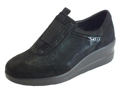 Articolo Sneakers Cinzia Soft confort in camoscio nero senza lacci
