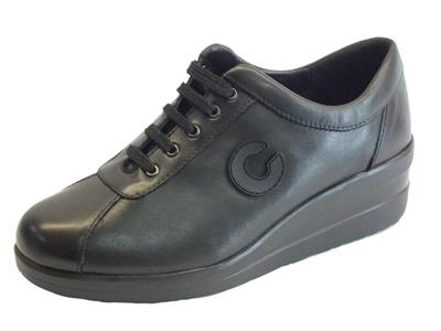 Articolo Sneakers Cinzia Soft confort in pelle nera con zeppa