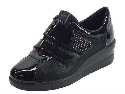 Sneakers Confort Cinzia Soft per donna in pelle nera doppia chiusura strappo