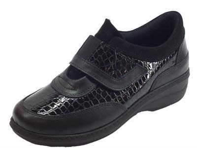 Sneakers Sabatini per donna in nappa e vernice nera effetto pitonato regolazione a strappo