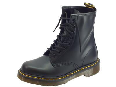 Dr. Martens 1460 Black 10072004 Smooth anfibi donna in pelle abrasivata nera cuciture gialle