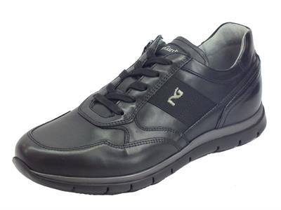 Articolo NeroGiardini A901210U Golf Nero sneakers stringate per uomo in pelle nera
