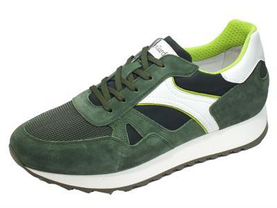 Articolo NeroGiardini E001503U Camo. Colorado Erba Sneakers Uomo in pelle bianca e camoscio verde