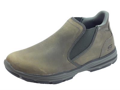 Articolo Scarponcini Skechers KEVEN per uomo in nabuk grigio con doppio elastico laterale