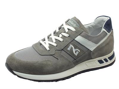 Articolo Scarpe sportive NeroGiardini per uomo in camoscio grigio e tessuto grigio
