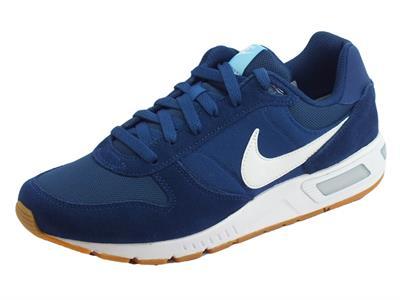 Articolo Scarpe sportive Nike NightGazer per uomo in camoscio e tessuto blu
