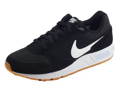 Articolo Scarpe sportive Nike NightGazer per uomo in camoscio e tessuto nero