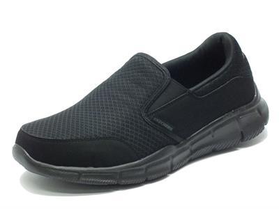 Articolo Mocassini Skechers Sport per uomo in tessuto nero con memory foam