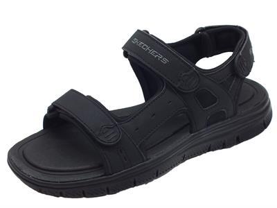 Articolo Sandali per uomo Skechers Sport in ecopelle nera con tripla chiusura strappo