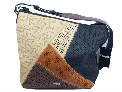 Articolo Borsa Desigual modello shopping bag Country Olesa per donna in ecopelle nera beige marrone